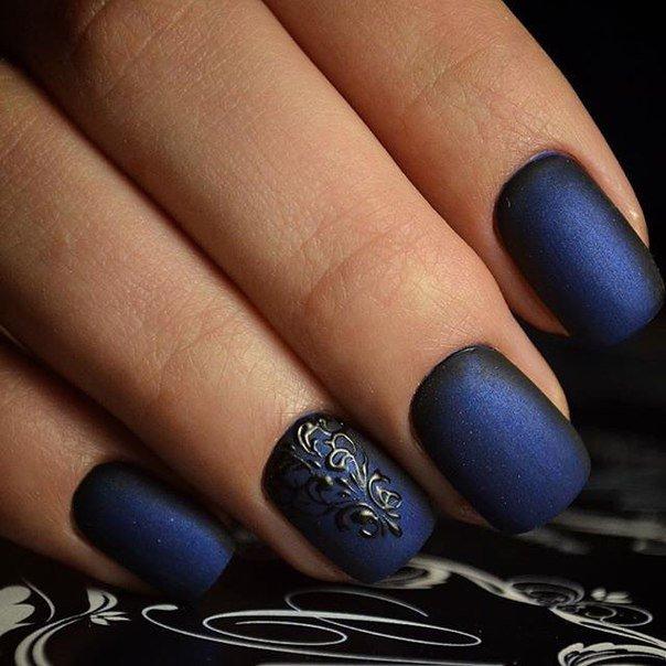 маникюр синий с черным фото