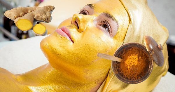Золотая маска для глаз из куркумы