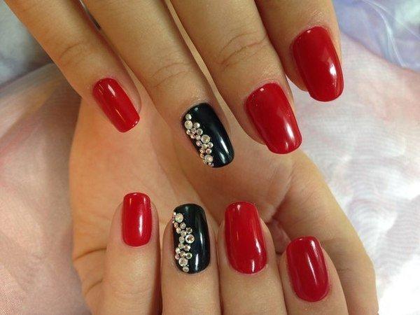 Ногти в красном цвете шеллак