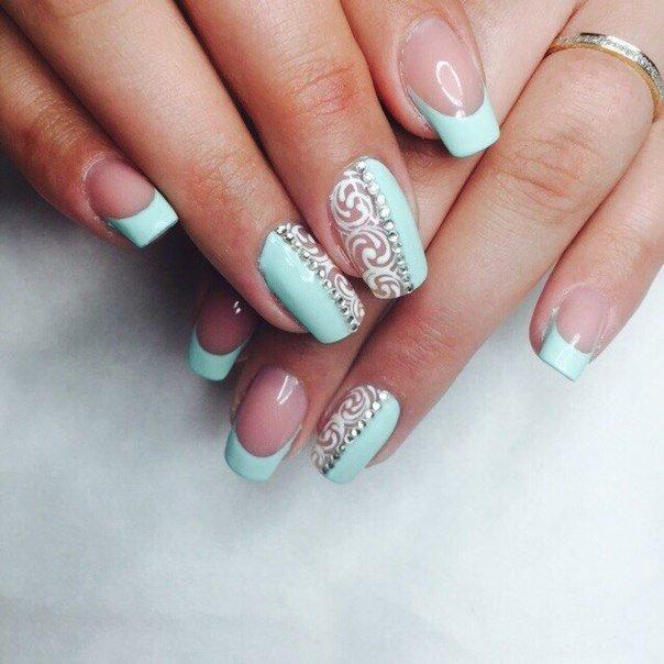 Дизайн ногтей белый с мятным