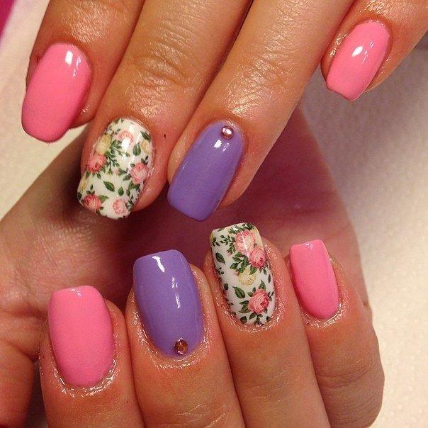Дизайн ногтей шеллак с цветами и