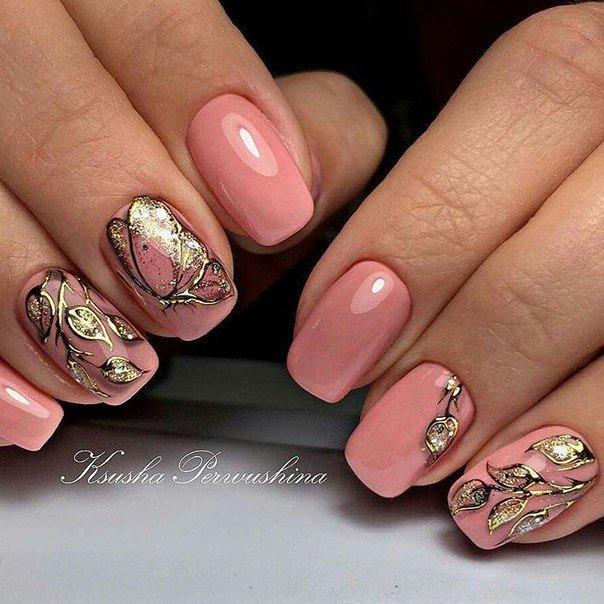 Литье на ногтях цветы