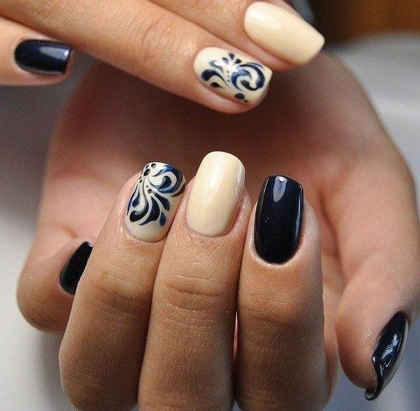Ногти бежевые черные
